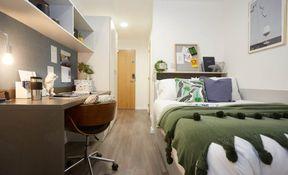 Ground Floor En Suite