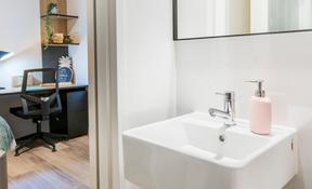 2 Bedroom Apartment—High Floor