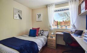 6 Bed Apartment - Standard