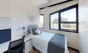 5 Bedroom Apartment - 3 Bathroom