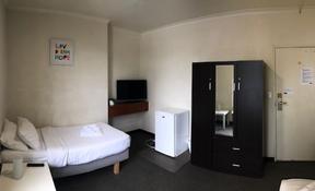 Room 28- Single