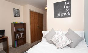 Large Classic 5 Bed Ensuite