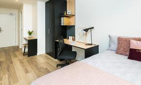 Studio Plus Double—High Floor