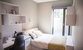 10 Bed Club En-suite