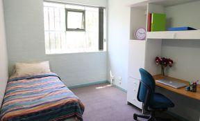 4/5 Bedroom