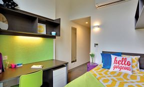 Single Ensuite Room In 4 Person Apartment