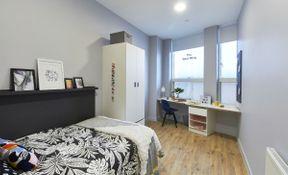 7 - 10 Bed Cluster En-suite