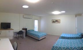 Room 4 - Triple
