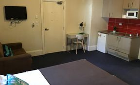 1 Bedroom / Studio Apartment