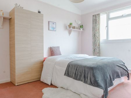 Pearscroft B - double room in Sand End