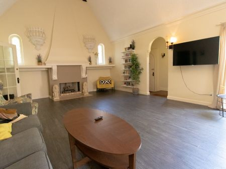Sota Coliving - Hollywood 6148 Afton Place