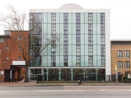 Davies Court - Canary Wharf