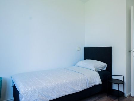 Fully furnished single bedroom in Charlois