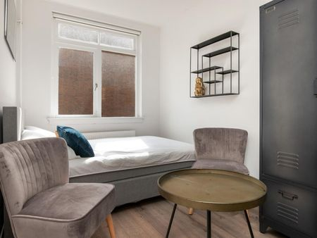 Stylish double bedroom in Rotterdam