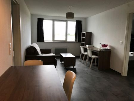 2-Bedroom apartment in a residence, in Talence