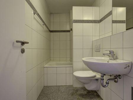 Spacious bedroom in 3-bedroom apartment in Bad Cannstatt