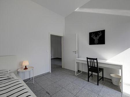 Luminous single bedroom near the Rosensteinbrücke metro