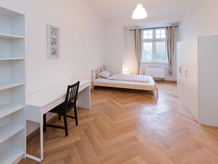 Pretty cool double bedroom near the Goetheplatz metro