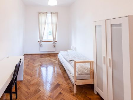 Single bedroom in a 3-bedroom flat, in Giesing