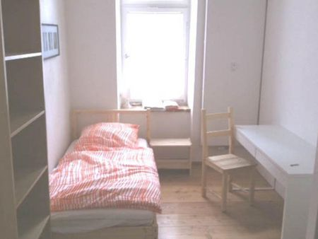 Cosy single bedroom near Regerplatz train station