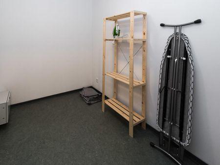 Nice single bedroom in a 2-bedroom apartment