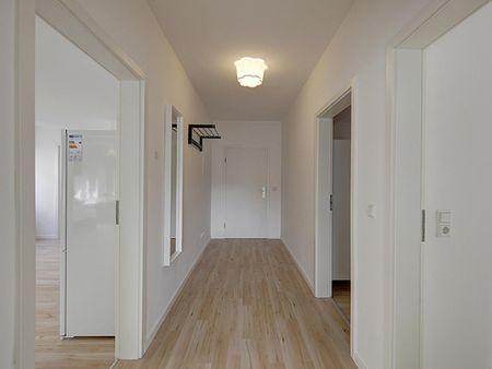 Single bedroom in 4-bedroom flat in Mitte