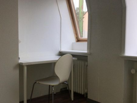 Spacious single-bedroom in a 6-bedroom apartment in Bremen Altstadt right next to Wallanlagen Park