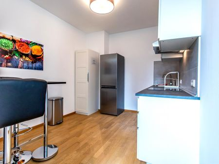 Amazing single-bedroom in a 4-bedroom apartment in Frankfurt, near the central train station