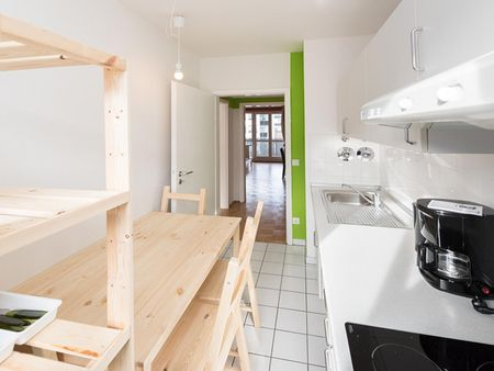 Welcoming double bedroom near the Maillingerstraße metro
