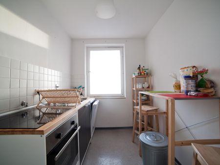 Spacious single bedroom in Sendling