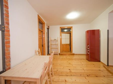Single bedroom in a 4-bedroom apartment close to Neues Rathaus