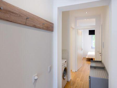 Spacious bedroom in a 3-bedroom apartment in Sendling