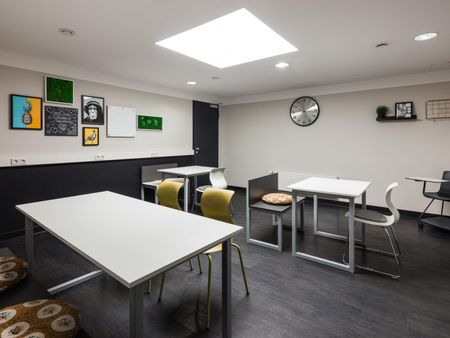 Cool studio, in a residence near Frankfurt West transport station