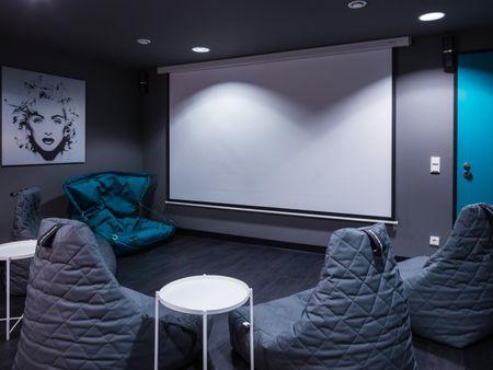 Beautiful studio, in a residence near Frankfurt West transport station