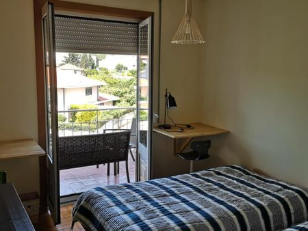 Twin bedroom in a 5-bedroom apartment near Jardim Fernando Pessa