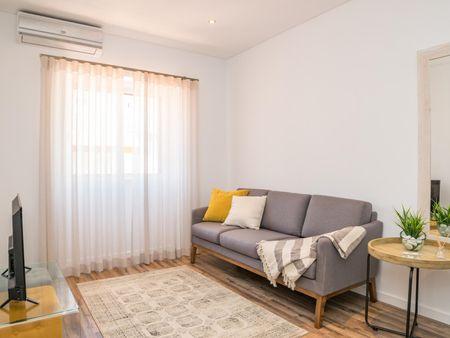 Pleasant 2-bedroom flat near Escola Superior de Educação e Comunicação