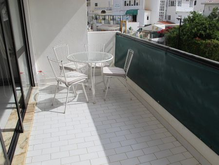Nice and well equipped 2-bedroom apartment, with outdoor area