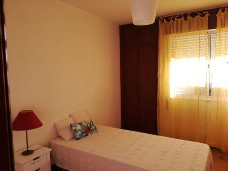 Cozy single bedroom close to Faro