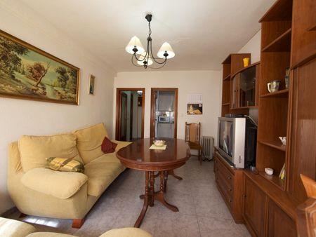 Friendly single bedroom in a 3-bedroom apartment near Campus Córdoba