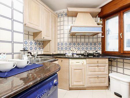 Charming double bedroom close to Atxuri train station