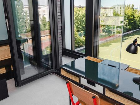 Bright and cosy studio in a student residence long term
