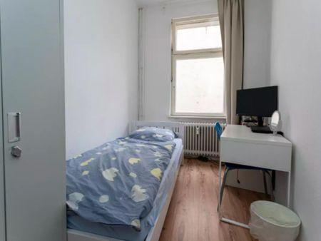 Single bedroom, not far from Großer Tiergarten
