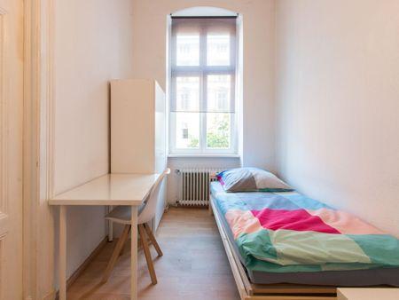 Bed in cozy double bedroom in Tiergarten