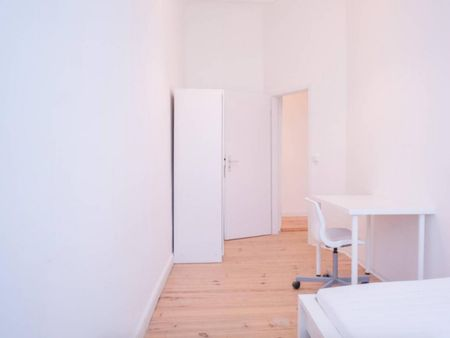 Neat room in 4-bedroom apartment in Friedrichshain