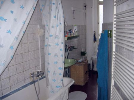 Spacious single bedroom in a 5-bedroom flat, close to the Beuth Hochschule