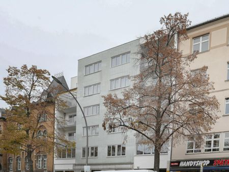Cool single bedroom in a 5-bedroom apartment near Schillerpark