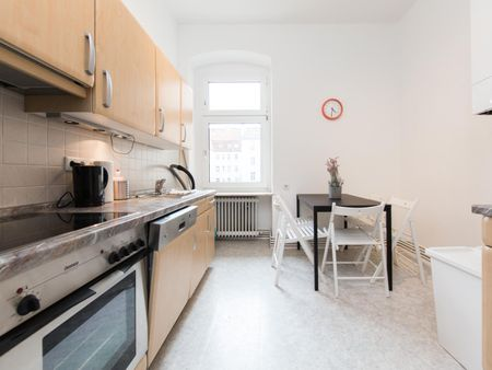 Cool double bedroom in a 5-bedroom apartment near U-Bhf. Siemensdamm transport station