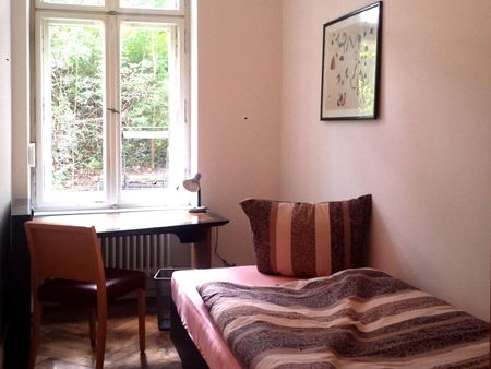 Snug single bedroom near Technische Universität Berlin