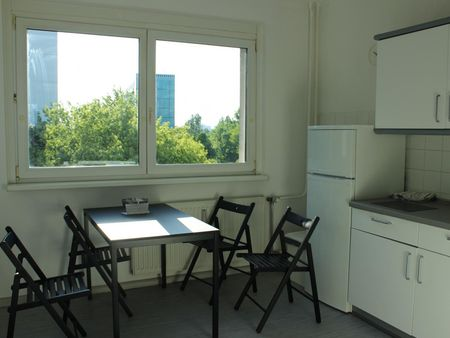 Bright single bedroom near the Friedrichsfelde Ost station