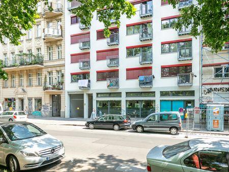 Helle Wohnung in Berlin Kreuzberg am Mariannenplatz hochwertig saniert!